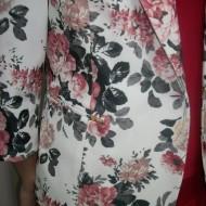 Sacou casual, pe fond alb, imprimeu floral plamaniu, croi clasic