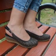Sandale cu toc mediu,perforate, confortabile