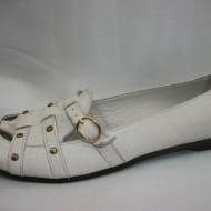 Balerin cu detalii aurii, nuanta de alb, perforatii aplicate