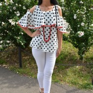 Bluza casual-elegant cu un croi larg, culoare alb-negru