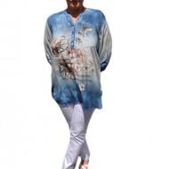 Bluza rafinata,design de nasturi, alba cu degrade albastru