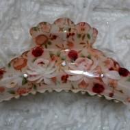 Cleste elegant cu design floral multicolor si cristale mici aplicate