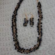 Colier cu cercei in tendinte, culoare auriu-bleumarin din margele
