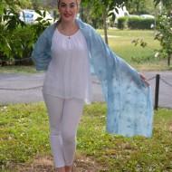 Esarfa fashion din vascoza, culoare albastra cu broderie in ton