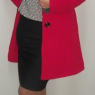 Palton elegant, de culoare rosu, cu design floral