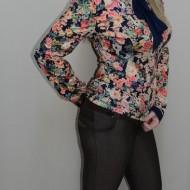 Pantalon elegant, nuanta de maro, design geometric, fermoar
