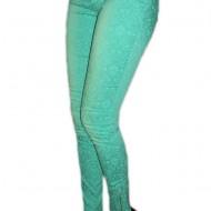 Pantaloni casual, de culoare verde deschis, cu fermoare la glezne