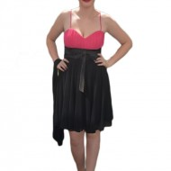 Rochie de ocazie frumoasa, bicolora, neagra cu roz, in falduri ample