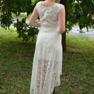Rochie de seara cu croiala asimetrica, realizata din dantela alba