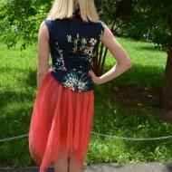 Rochie deosebita Alexia cu tull roz in partea de jos, nuanta de bleumarin cu flori