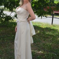 Rochie eleganta, de culoare ivory , din tafta fina