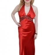 Rochie lunga de seara, de nuanta rosie, cu un decolteu in V