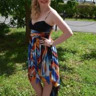 Rochie tinereasca,din voal multicolor cu strasuri