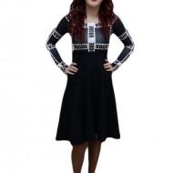 Rochie trendy, nuanta de negru, design grafic modern