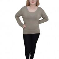 Bluza clasica cu aspect simplu, culoare bej, cu decolteu rotund