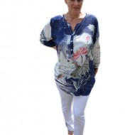 Bluza rafinata,design de nasturi, alba cu model floral