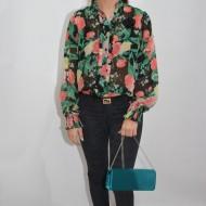 Bluza subtire tip camasa, cu maneca lunga si flori multicolore