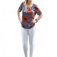 Bluza tinereasca cu imprimeu de dungi bleumarin si flori rosii