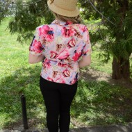 Camasa comoda cu maneca scurta, nuanta roz cu flori mari