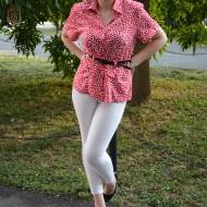 Camasa de culoare rosie cu buline albe, model tip sacou
