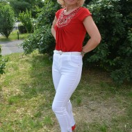 Pantalon de dama din material subtire, alb, cu strasuri fine