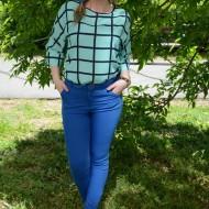 Pantalon deosebit, nuanta de albastru, fara imprimeu, buzunare laterale