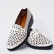 Pantof alb cu perforati si talpa ortopedica