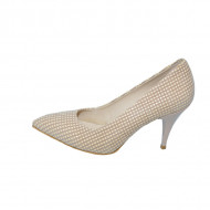 Pantof comod bej, cu decor de patratele mici si toc de 7,5 cm