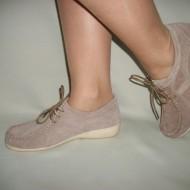 Pantof cu siret din piele naturala intoarsa, de culoare maro