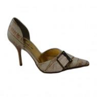 Pantof cu varf ascutit, nuanta de bej, imprimeu auriu interesant