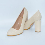 Pantof de culoare ivory, model clasic cu toc inalt, stabil