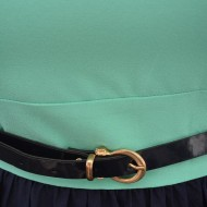 Rochie cu un mic decupaj si fundita in spate