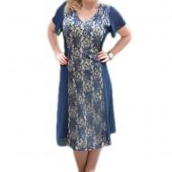Rochie de culoare bleumarin, decorata cu insertie de dantela