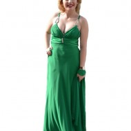 Rochie de gala rafinata, model lung, pe verde, cu insertie de pietre