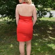 Rochie scurta, de culoare rosie