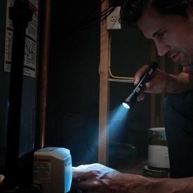 Lanterna Coleman BatteryGuard 75L