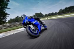 motocicleta yamaha yzf r6
