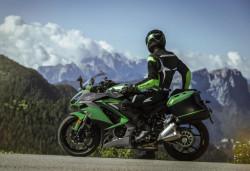 Motocicleta Kawasaki Z1000