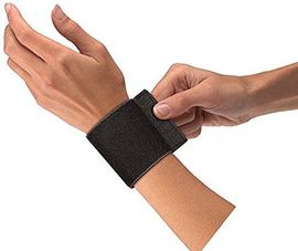 Mueller - Obmotavajući steznik za ručni zglob