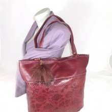 Geanta dama mare rosie visinie cu accesoriu puf