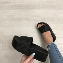 Papuci dama negri cu platforma S64