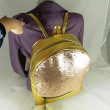 Rucsac ghiozdan mare auriu cu accesoriu puf