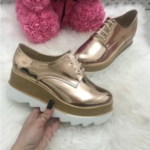 Adidasi dama aurii cu platforma