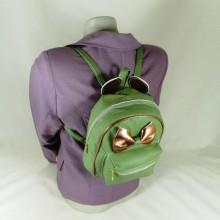 Rucsacel verde cu fundita si urechiuse
