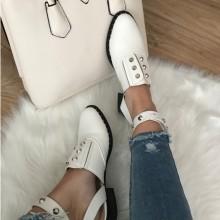 Pantofi dama albi decupati