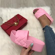 Papuci dama roz cu platforma S69