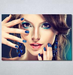 Slike na platnu Devojka sa plavim noktima Nina30364_P