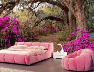 Foto tapeta Prolaz kroz šumu i roze cveće Tapet012