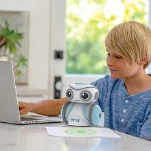 Robotelul Artie 3000