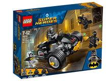 Batman: Atacul talonilor (76110)